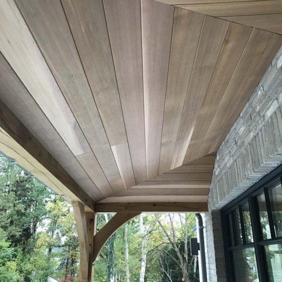 toit en bois de terrasse
